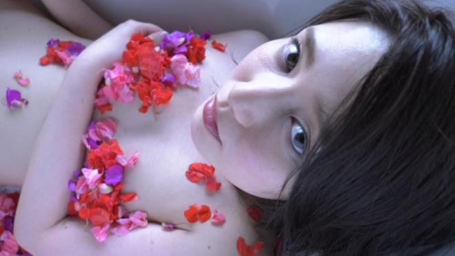 ソフマップ:古崎瞳「瞳の中へ」DVD発売記念イベント ※終了いたしました。 イベント&アイドル情報 | 水着も着エロも!竹書房アイドルDVD公式サイト | アイドル学園